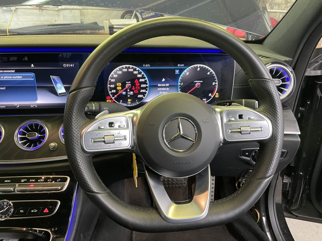 E class facelift steering wheel.